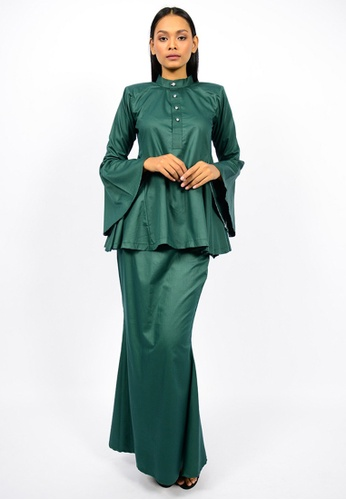 Kurung Wazeera from Watie Collections in Green