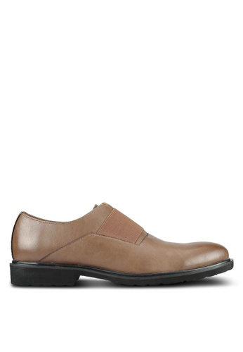 ZALORA brown Contemporary Faux Leather Brogues 69A37AAF7D1F97GS_1
