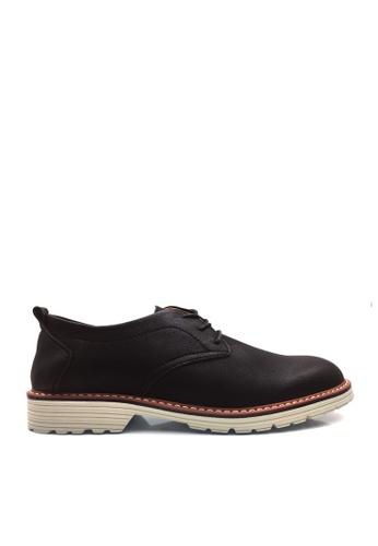 Twenty Eight Shoes black Contrast Outsole Rubbing Basic Shoes VSM-F2002 13820SH9256C40GS_1