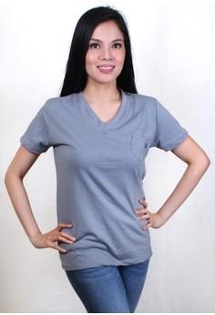 Modern Fit V-Neck Shirt with Pocket Design