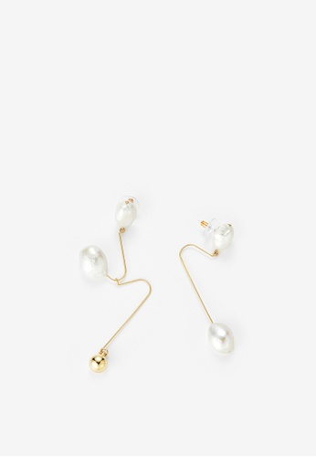 MONDAY EDITION white and gold Ugly Pearl Earrings CD473ACF79FC57GS_1