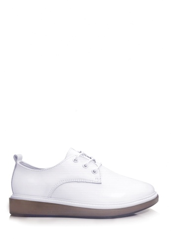 Twenty Eight Shoes white Simplicity Thick-Flat Leather Shoes VL8512 765C3SHEAFD469GS_1