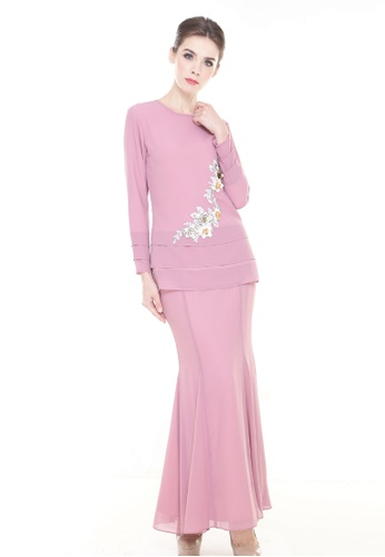 Revona Kurung in Dusty Pink from Rina Nichie Couture in pink_1