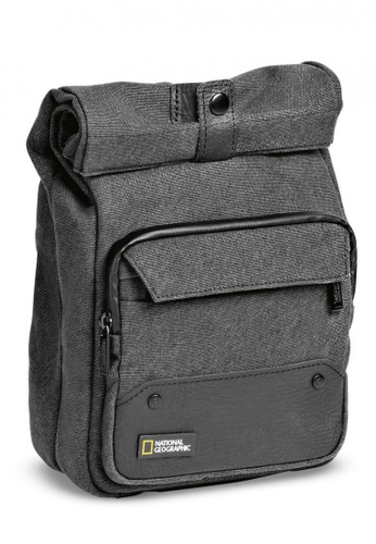 National Geographic black and grey NG W2250 Walkabout Vertical Reporter for CSC E040BAC58222AAGS_1