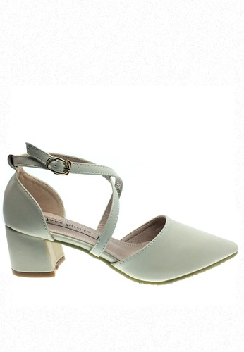 Twenty Eight Shoes beige Cross Strap Mid Heel 546-15 TW446SH96RXRHK_1