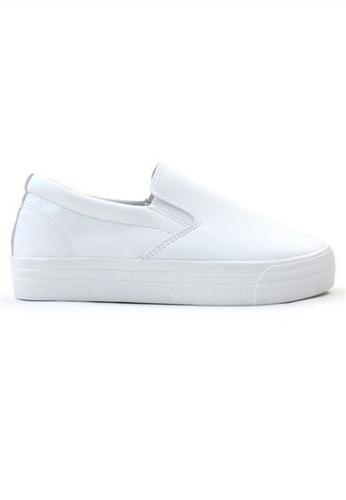 Crystal Korea Fashion white Korean Comfort Leather Slip-Ons. 5C27DSHF0008ACGS_1