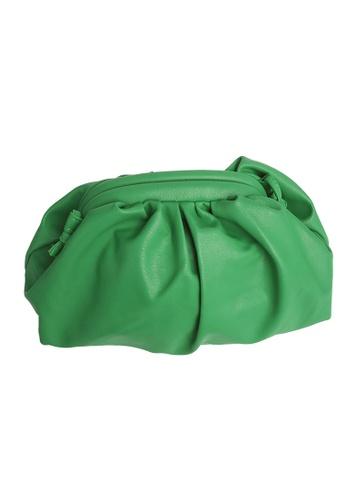 TEERA BELLESA green Maxi Pop Clutch in Green 5073EACD56700EGS_1