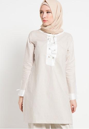 Aira Muslim Butik beige Della Blouse AI892AA52ZQHID_1