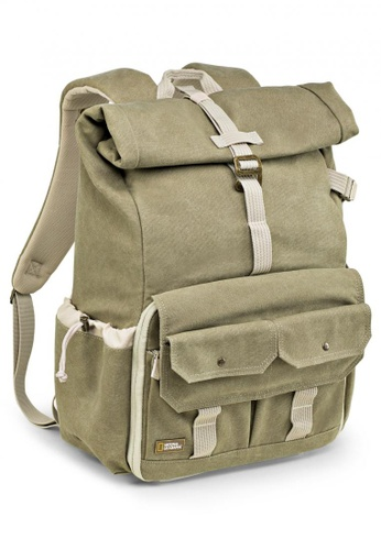 National Geographic grey NG 5170 Earth Explorer Medium Backpack for DSLR B4E3FACFB5D331GS_1