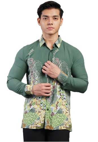 UA BOUTIQUE green Long Sleeve Shirt Batik UABM29-071 (Green) EC556AAA523DE3GS_1