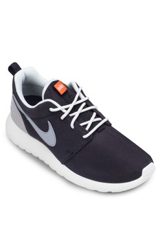 Women's Nike Roshe One Retro Sneakers