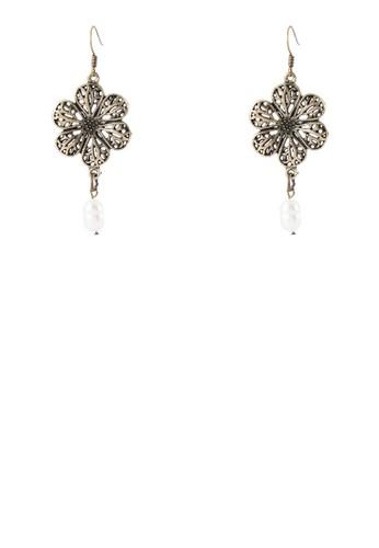 zalora 評價鏤空花飾耳環, 飾品配件, 飾品配件