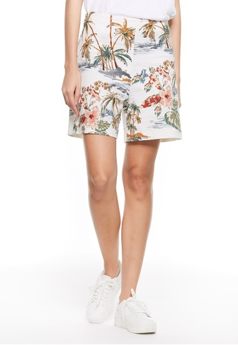 United Colors of Benetton white Printed Shorts 2C41EAA304C0E6GS_1