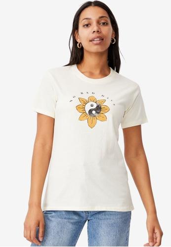 Cotton On yellow Classic Arts T-Shirt A8B48AA217E1A0GS_1