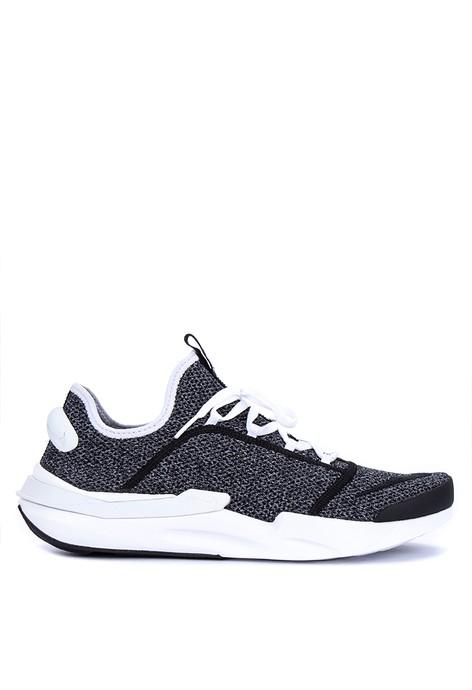 Hush Puppies Kaos Pria Shafira Hadiprana Hitam ... Source · Jual Sneakers  Nike Pria f17efc874d