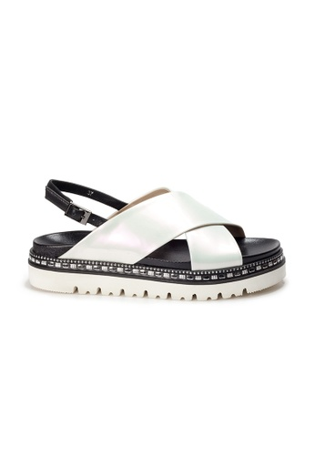 Shu Talk white AMAZTEP Studs Metallic Patent Leather Sandals 6032FSH502D8A0GS_1