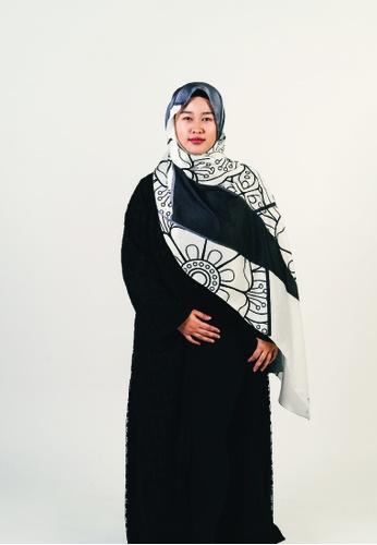 Khalifah by N black and grey and white Mandala Terazzo Monochrome Greyscale Shawl EAC90AAC0724C5GS_1
