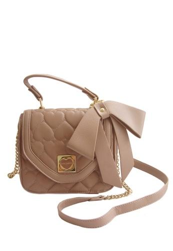 LULUGIFT beige Lulugift European Design Quilted Ribbon Pu Leather Sling Bag LU989AC76FLNMY_1