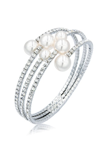 SO SEOUL white and silver Quinn Pearl in Cream Open Bangle 145A3AC064CFBEGS_1