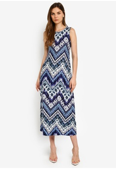 3dbe0301121 Wallis blue Petite Blue Chevron Printed Maxi Dress F87AEAA9AF5679GS 1
