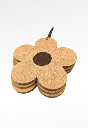 Ayra Home & Living brown Flower Insulation Pad Cork Kitchen Coaster Set of 2 0BA9AHL861847BGS_1