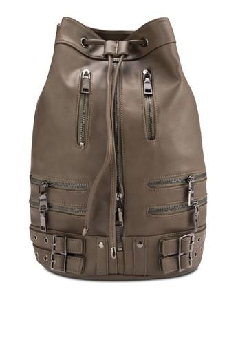 拉鍊扣環仿皮束口後背包、 包、 後背包SomethingBorrowed拉鍊扣環仿皮束口後背包最新折價