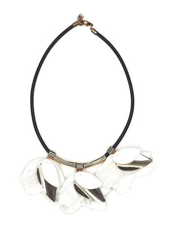 ACEXSPADE white Acrylic Mirabelle Necklace – White EC702AC4DD7DF3GS_1