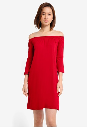 ZALORA BASICS red Essential Loose Off Shoulder Dress With Flared Sleeve 14AB0AA72D0AE2GS_1