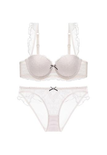 W.Excellence white Premium White Lace Lingerie Set (Bra and Underwear) F8BEDUSA01BCBFGS_1
