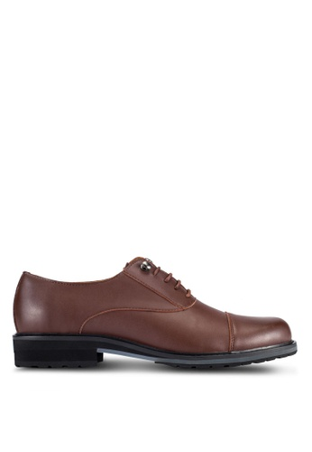 ZALORA brown Faux Leather Oxford Dress Shoes 28C76AA1327CB3GS_1