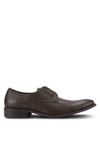 ZALORA brown Essential Faux Leather Wingtip Dress Shoes 18689AA2BA72EAGS_1