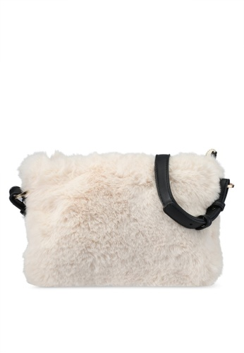 TOPSHOP beige Faux Fur Crossbody Bag TO412AC0SRT4MY_1