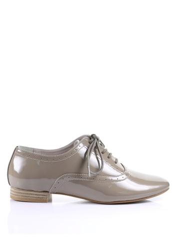 PRODUIT PARFAIT beige Enamel Sheep Leather Lace up shoes F9DD6SH2130A5EGS_1