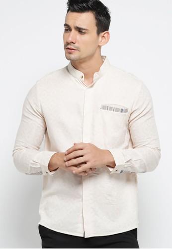 Sekouwit brown Alder Kemeja Batik Lengan Panjang Modern Krem/ Long Sleeves Batik Shirt in Beige SEKOUWIT B854AAA0C09F30GS_1