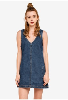 581f3c573117 Cotton On blue Front Pocket Denim Pinafore Dress 5BEB0AAF8C2E6EGS_1