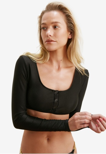 Trendyol black Textured Long Sleeves Bikini Top B0AA1US00CCBE3GS_1
