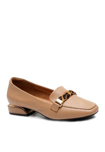 Twenty Eight Shoes 米褐色 頭層牛皮豹紋裝飾扣高面鞋 VL8931 C2B83SH4964511GS_1
