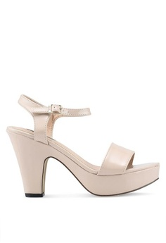 39a25937900 Nose. Pointed Heel Sandals