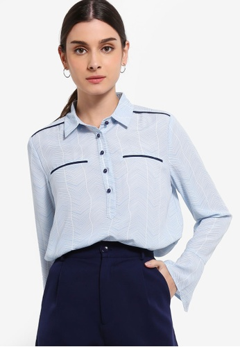 ZALORA 白色 and 藍色 Trumpet Sleeves Shirt 396BBAA2497307GS_1
