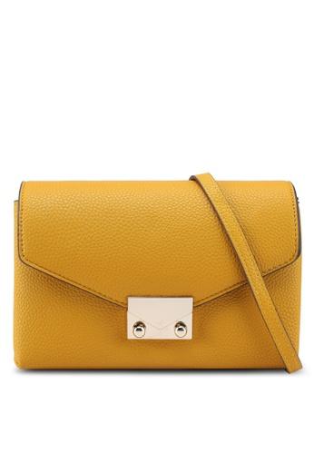 51aebb1a5ca9 網上選購Mango Chain Cross Body Bag