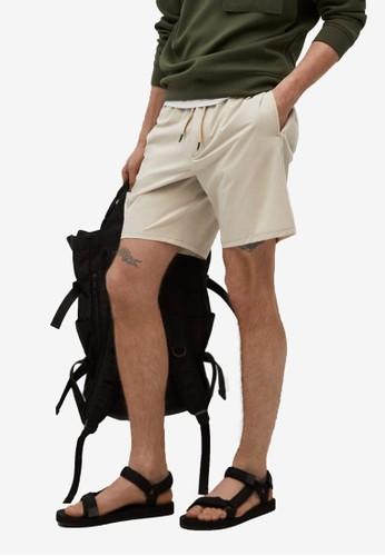 MANGO Man beige Technical Jogger Shorts 57427AAEA5C114GS_1