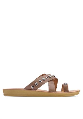 Noveni 褐色 鉚釘交叉繞帶涼鞋 D0CB6SH2037923GS_1