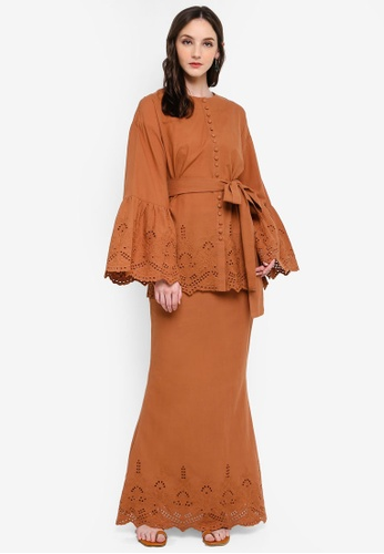 Syomirizwa Gupta for ZALORA brown BLANCA Modern Kurung FCC64AA7A18790GS_1