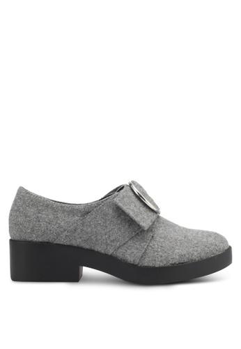 Something Borrowed 灰色 Felt Buckle Loafers D8258SH3965832GS_1