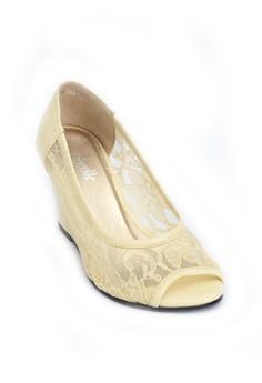 RAQUEL cream lace peep-toe 3-inch wedge