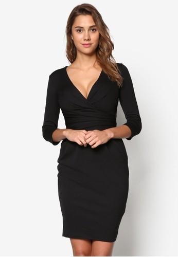 修身褶飾低胸洋裝、 服飾、 服飾Goddiva修身褶飾低胸洋裝最新折價