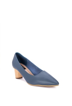 66e9fc9d9f Primadonna Pointed Toe Pumps Php 1,599.95. Available in several sizes