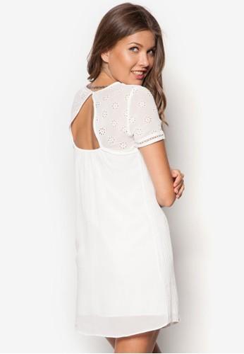 Petite zalora 包包評價鏤空雕花洋裝, 服飾, 洋裝