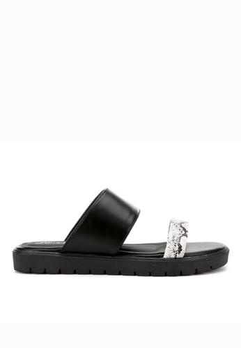 KissXXX 黑色 夏季舒適感休閒純色一字平底日常拖鞋 KI603SH09KDCTW_1