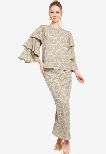 Lubna pink Layered Flounce Sleeve Kurung 27696AA4CFF2F5GS_1